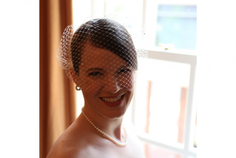 Rhinestone dotted French net blusher veil
