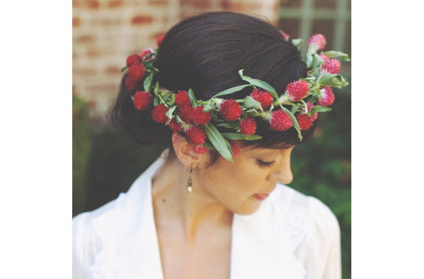 Red bridal christmas halo