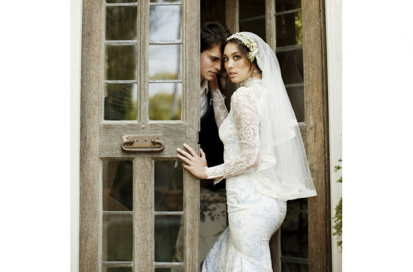 silk tulle veil with orange blossom crown